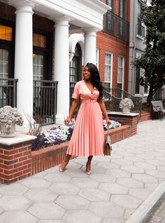 Spring time dresses and feels ! Affordable Fashion, Unique Fashion, Spring Dresses, Spring Outfits, Fashion Group, Fashion Outfits, Pinterest Fashion, Season Colors, Mom Style