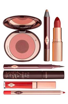 The Bombshell Set by Charlotte Tilbury  has all the essentials to get that sultry look.