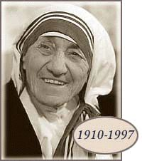 Mother Teresa was the founder of the Order of the Missionaries of Charity a Roman Catholic congregation of women dedicated to helping the poor. Considered one of the greatest humanitarians of the century she was canonized as Saint Teresa of Calcutta in Mother Teresa Biography, Mother Teresa Quotes, Sainte Therese De Lisieux, Saint Teresa Of Calcutta, Love Your Family, Nobel Peace Prize, Nobel Prize, Blessed Mother, Pope Francis