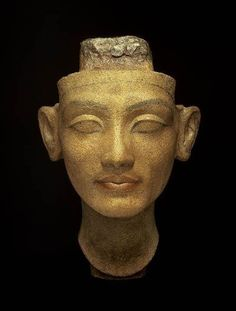 ♔ Nefertiti