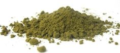 Powder - Loaded with tons of and Moringa Leaf Powder is one of nature's most foods. It´s a source of non-soy plant , natural and Moringa helps manage weight, detoxifies body, increases energy naturally and nourishes your body's immune system. Wheatgrass Powder, Moringa Powder, What Is Moringa, Moringa Leaves, Nutritious Meals, Healthy Foods, Healthy Life, Healthy Drinks, Healthy Living