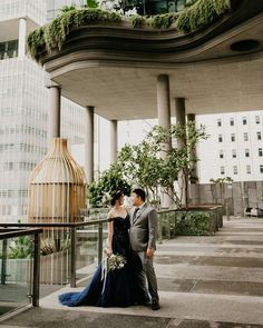 Joy and Amos at their wedding in Singapore. Who reconises this hotel from the latest season of westworld Grey Weddings, Singapore, Joy, Seasons, Table Decorations, Home Decor, Decoration Home, Gray Weddings, Room Decor