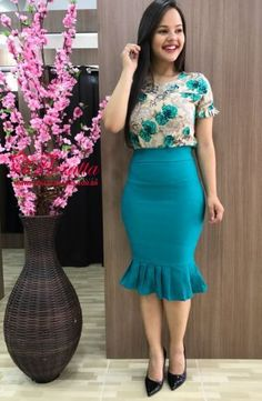 Modest Fashion, Girl Fashion, Fashion Dresses, Skirt Outfits, Dress Skirt, Vestidos Chiffon, Corporate Attire, Dress Clothes For Women, Latex Dress