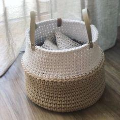 Excellent Photos Crochet basket big Thoughts Large crochet home storage basket Big nursery basket Crochet flower pot How Do You Knit, Big Basket, Popular Crochet, Crochet Market Bag, Knitted Booties, Crochet Home Decor, Modern Crochet, Large Baskets, Boho Diy