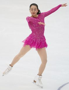 NHK杯・女子ショートプログラム(SP)で演技する浅田真央=長野・ビッグハット(2015年11月27日) 【時事通信社】 (460×600) http://www.jiji.com/jc/d4?d=d4_asa&p=mao505-jpp020371882