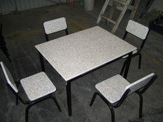mobiliario fabricado con tablas de plastico reciclado Recycled Plastic Furniture, Recycling, Dining Chairs, Home Decor, Boards, Upcycling, Furniture, Decoration Home, Room Decor