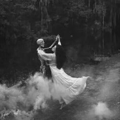 ~ For all your dark aesthetic needs ((none of the photos are mine)) Creepy Photography, Whimsical Photography, Halloween Photography, Fantasy Photography, Death Aesthetic, Witch Aesthetic, Aesthetic Dark, Witch Photos, Halloween Photos