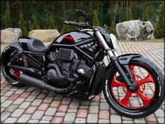 Mind Blowing Tips: Harley Davidson Softail Bobber harley davidson bobber ideas.Harley Davidson V Rod Harley Davidson V Rod, Harley Davidson Sportster, Harley Davidson Modelle, Harley Davidson Birthday, Harley Davidson Helmets, Classic Harley Davidson, Custom Choppers, Custom Harleys, Custom Motorcycles