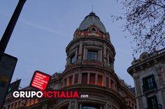 Portal de l'Àngel, Barcelona. Grup Actialia ofrece sus servicios en Barcelona: Diseño web, Diseño gráfico, Imprenta y Rotulación. www.grupoactialia.com