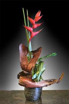 Organization of Floral Art Designers Tropical Floral Arrangements, Christmas Floral Arrangements, Ikebana Arrangements, Beautiful Flower Arrangements, Flower Show, Flower Art, Sogetsu Ikebana, Abstract Flowers, Floral Style