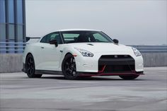 Nissan GT-R 2016 gets more power and new wheels Changes that brought the Nissan GT-R 2016 from the predecessor of starting the engine, suspension and car body. In the body of the car, the Nissan GT-R Nissan Gtr Nismo, Nissan Gt R, R32 Gtr, Nissan Skyline Gt R, Nissan Gtr Wallpapers, Car Wallpapers, Dvd Player, Bmw Series, Kingsman