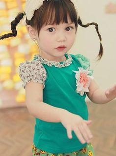 annika, tsubomi t-shirt with woven puff sleeves #kidsfashion