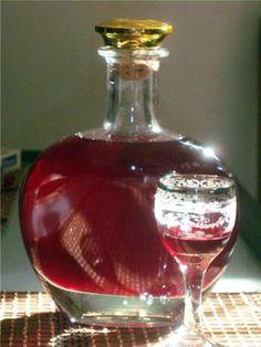 Рецепт вкуснейшего смородинового ликера.Вас порадует, и вкус, и аромат, и цвет.Для смородинового ликера нам понадобится:- один килограмм ягод смородины- один литр водки- один литр воды- 400 грамм …