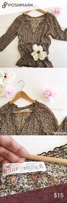 "🦋Hollister Sheer Floral Top🦋 🦋Hollister XS Floral Sheer super soft top... garter sleeves and waist🦋 lose fitting🦋great condition!🦋Quartersleeves  approx 18"" long 🦋Shirt Length is 23""🦋 Tops Blouses"