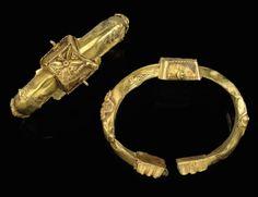 A PAIR OF SELJUK GOLD BRACELETS, IRAN, 13TH CENTURY