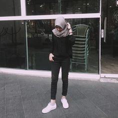 Casual Hijab Outfit, Ootd Hijab, Hijab Chic, Girl Hijab, Muslim Fashion, Ootd Fashion, Fashion Outfits, Fall Fashion, Fashion Tips