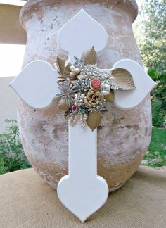 diy simply White Wooden Crosses with jewelry - crafts, decoration