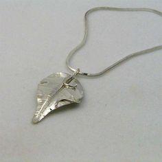 La main Sterling Silver Art Nouveau LOTR feuille par JazznJewelry