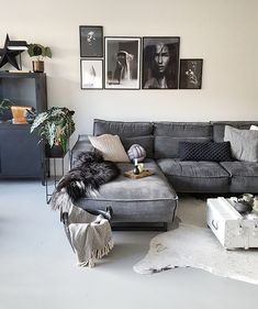 Home Decoration Online Stores Living Room Green, Farm House Living Room, Small Space Interior Design, Living Room Decor Apartment, Apartment Living Room, Living Room Scandinavian, Open Living Room Design, Apartment Decor, Cosy Living Room
