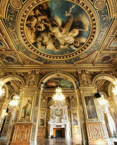 Versailles in Luxury