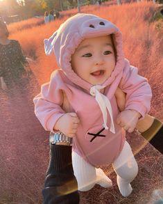 Cute Asian Babies, Korean Babies, Cute Babies, Dad Baby, Baby Kids, Baby Boy, Ulzzang Kids, Couple Aesthetic, I Love You Baby