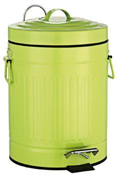 Witziger Abfalleimer für das Bad aus pulverbeschichteten Metall in grün in Form einer Mülltonne. Der Deckel verfügt über eine praktische Absenkautomatik. Gesehen für € 29,95 bei kloundco.de.