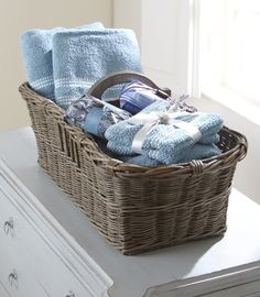 blue towels in basket. basket would need to be darker wood though to match the cabinet. Country Blue, Blue Towels, White Cottage, Ladies Night, White Decor, Bed And Breakfast, Blue Bird, Shades Of Blue, Guest Room