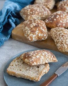 Baked Goods, Hamburger, Brunch, Thanksgiving, Snacks, Baking, Patisserie, Hamburgers, Bread