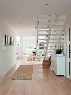 Hall med trappa