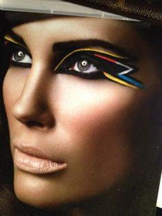 """""""Graphique"""" - Make up by Søren Hedegaard"""