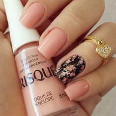 #Floral #FloralNails #NailArt #Beauty #Beautyinthebag
