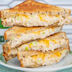 Nothing beats a hot, cheesy tuna melt sandwich for a comfort food lunch or dinner, and we have a few family secrets to making the best tuna sandwich ever! Best Tuna Sandwich, Toast Sandwich, Tuna Sandwich Recipes, Foods For Abs, Monte Cristo Sandwich, Sandwiches, Tuna Melts, Sweet Pickles, Cooking Recipes