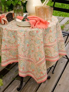 April Cornell Tablecloth in English Paisley