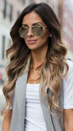 Shatush biondo, le tonalità più belle - Shatush biondo cenere su capelli castani lunghi e mossi