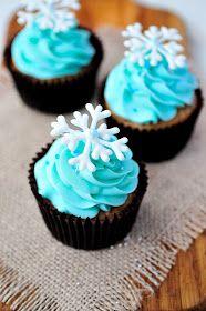 Haniela's: ~Piped White Chocolate Snowflakes~