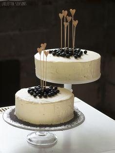 Wedding cake - Whiskey Mascarpone Chocolate www.juliettaseasons.com