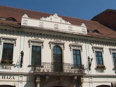 Almássy kúria - Európa ház - Épített örökségek, Látnivalók / Műemlék