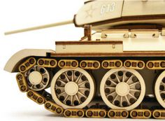 T-34 the legendary Sovien Union's tank. Laser Cutter Ideas, Laser Cutter Projects, Laser Cut Wood, Laser Cutting, 3d Puzzel, Wooden Toy Cars, Driftwood Furniture, Cnc Woodworking, Scroll Saw Patterns