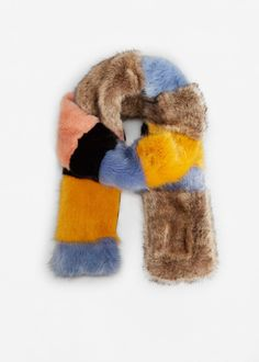 Striped faux fur scarf - Woman | MANGO Canada