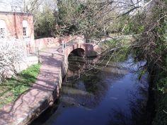 Alcester Road South, Kings Heath- Stratford-on-Avon Canal - footbridge. Birmingham, UK.