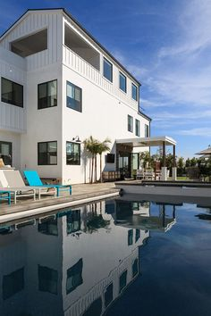 Gorgeous 67 Great Inspirations for Modern Beach House https://homedecormagz.com/67-great-inspirations-for-modern-beach-house/
