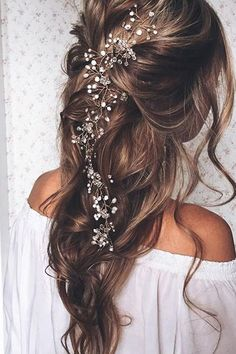 Peace Out, Flower Crowns — These Bridal Accessories Are MAJOR #refinery29 http://www.refinery29.com/bridal-wedding-accessories#slide-5 One elegant way to amp up your wedding hair is with decorative bobby pins....