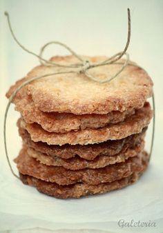 Esta receta de galletas de coco crujientes os encantará! La hicimos un día de manera un poco improvisada ya que no teníamos mucho tiempo...