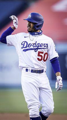 Dodgers Girl, Dodgers Fan, Dodgers Baseball, Dodgers Nation, Mlb Uniforms, Baseball Wallpaper, Mookie Betts, Dodger Blue, Mlb Players