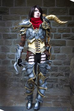 My Diablo III Wizard Cosplay. If you want to see the costume Progress please visit my site: [link] Diablo III Wizard Cosplay Diablo Cosplay, Cosplay Armor, Cosplay Anime, Cosplay Girls, Amazing Cosplay, Best Cosplay, Amazing Costumes, Lightning Cosplay, Female Demons
