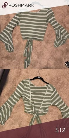 f653f876fbdd2 FOREVER 21  Worn two ways tie crop top! FOREVER 21  crop top with