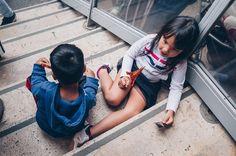 eiffel . . . #child#face#streetphoto#visualtraveller#AoV#outofthisworld#artphoto#visualmood#vsco#exploretocreate#createcommune#MoodyGrams#cheadsmagazine#peoplescreatives#creativemag#agameoftones#instaart#paris#streetphotography#portraitphotography#portrait#portraiturephotography#girl#waitinginline#children