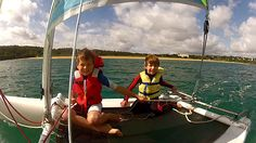 Vitavoile. En juillet & août rejoignez l'équipe de VITAVOILE pour découvrir ou redécouvrir les plaisirs de la voile et de la glisse : planche à voile (à partir de 6 ans), kayak, funboard, Hobie-Cat, minicat (7-11 ans), bateau à moteur type semi-rigide, stand-up paddle.
