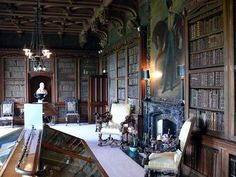 Library at Abbotsford House - An historic country house in the Scottish Borders, at the town of Galashiels, near Melrose, on the south bank of the River Tweed. It was formerly the residence of historical novelist and poet, Sir Walter Scott. Education Architecture, Architecture Design, Rosslyn Chapel, Home Library Design, Castles In England, Library Room, Home Libraries, Famous Architects, Inspired Homes