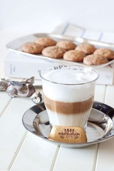 Cappuccino - ♥ Coffee and chocolate~~~~ Coffee Cafe, Coffee Drinks, Coffee Shop, Coffee Mugs, Coffee Aroma, Cappuccino Coffee, Coffee Dessert, Coffee Creamer, Starbucks Coffee